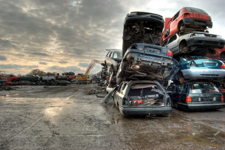 HOW SCRAP CAR REMOVAL COMPANIES RECYCLE A CAR
